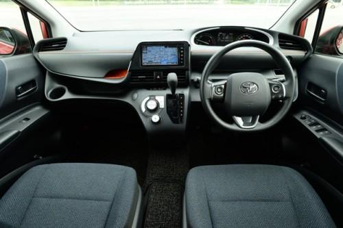 新型シエンタ 運転席 視界